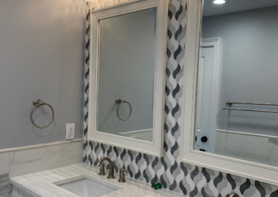 Beautiful & Budget-Friendly Bathroom Makeover